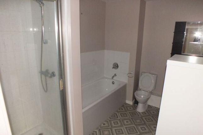 Bathroom of Manchester Court, Burslem, Stoke-On-Trent ST6