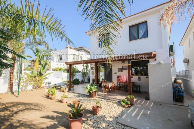4 bed villa for sale in Pyla, Cyprus