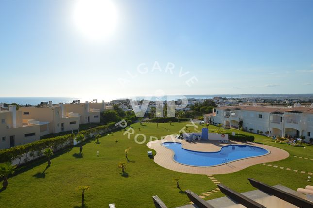 1 bed apartment for sale in Galé, Albufeira, Algarve