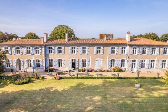 Thumbnail Château for sale in Royan, Charente-Maritime, Nouvelle-Aquitaine