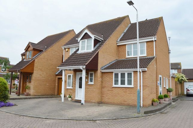Thumbnail Detached house for sale in Guardian Close, Hornchurch