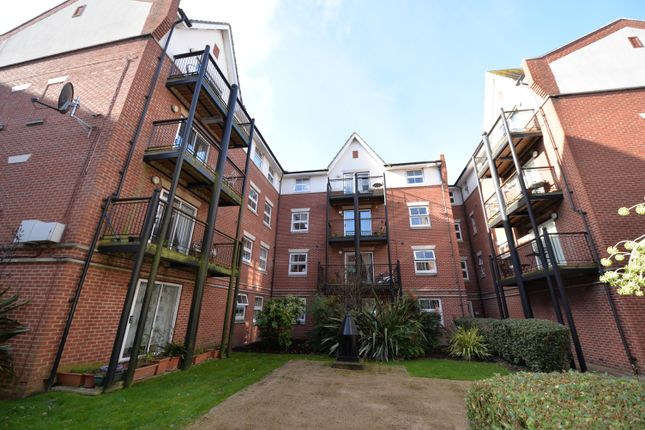 2 bed flat to rent in 4A Briton Street, Southampton