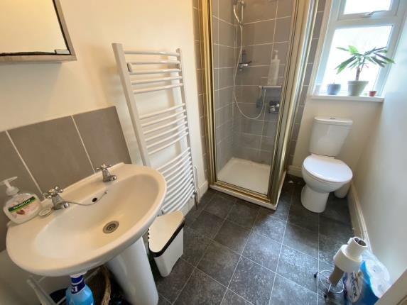 Shower Room One of Llantrisant Street, Cardiff, Caerdydd CF24