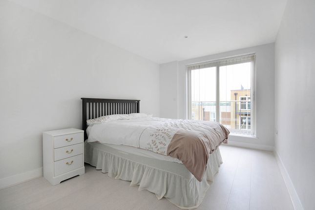Thumbnail Flat to rent in Bromyard Avenue, London