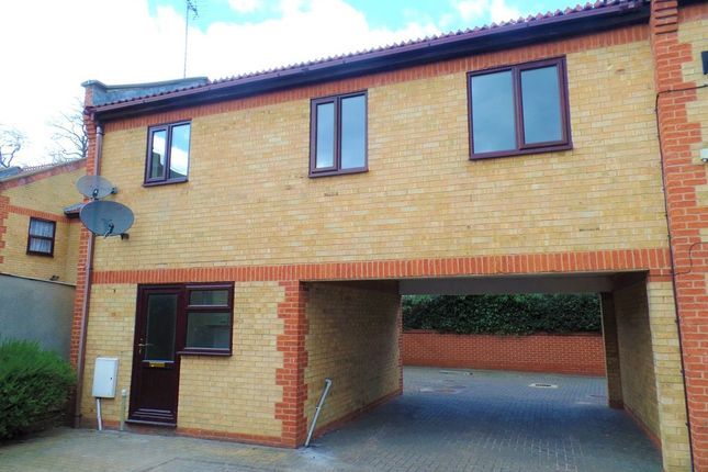 2 bed maisonette to rent in Monument Court, Monument Street, Peterborough