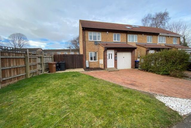 3 bed end terrace house for sale in Churchill Court, Lake View, Northampton NN3