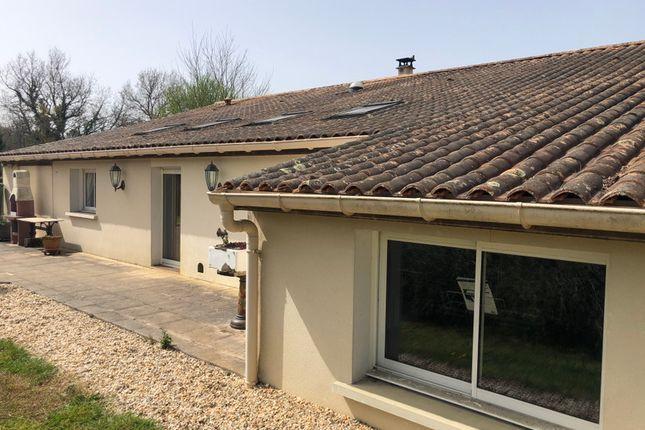 Thumbnail Villa for sale in St Pierre Du Palais, Charente-Maritime, Nouvelle-Aquitaine