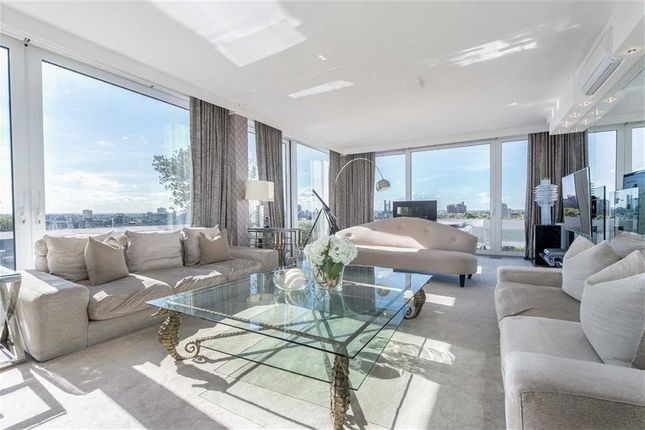 Thumbnail Flat to rent in Chelsea Towers, Chelsea Manor Gardens, London