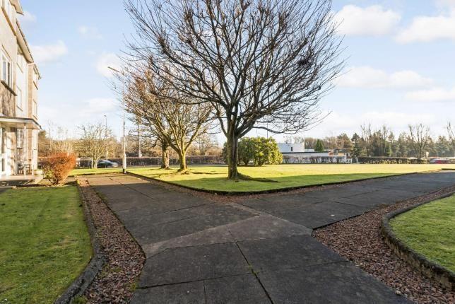 Communal Gardens of Keystone Road, Milngavie, Glasgow, East Dunbartonshire G62