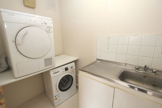 Utility Room of Blackwell Gardens, Edgware, Greater London. HA8