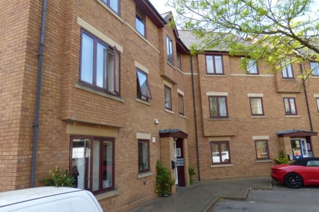 Thumbnail Flat to rent in Paradise Street, Botley, Oxford