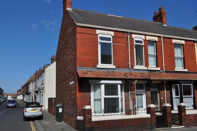 Thumbnail Property to rent in Westgate, Guisborough