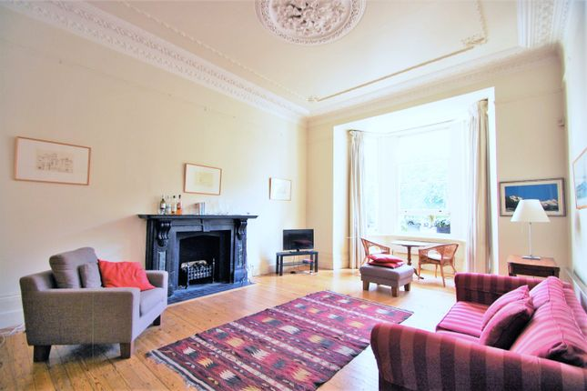 2 bed flat to rent in Redcliffe Square, Kensington