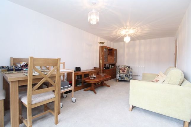 Thumbnail Property for sale in Oakhill Place, Bedford