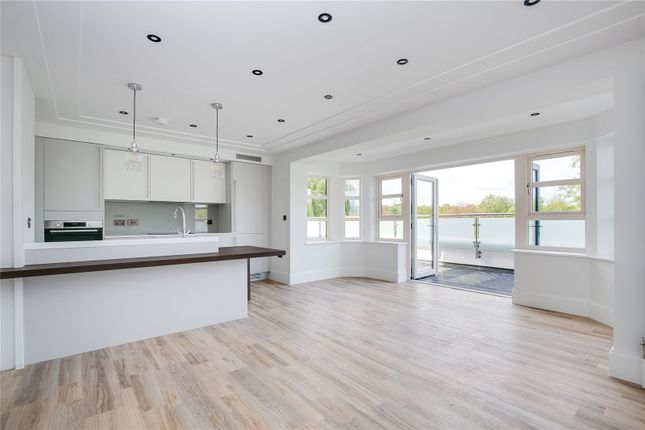 Thumbnail Flat to rent in The Vale, 93 Knollys Road, Norwood, London