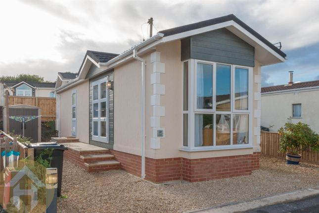 Thumbnail Mobile/park home for sale in Brook Meadow, Wroughton, Swindon