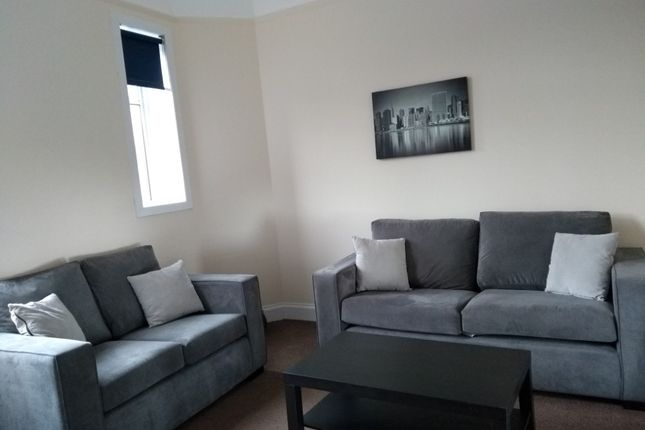 Thumbnail Flat to rent in Abbey Road Place, Riverside, Stirling