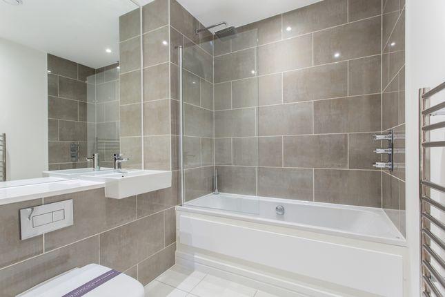 Bathroom of Maraschino Apartments, Morello, Croydon CR0