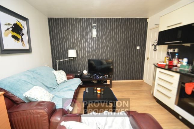 Thumbnail Flat to rent in The Poplars, Hyde Park, Leeds