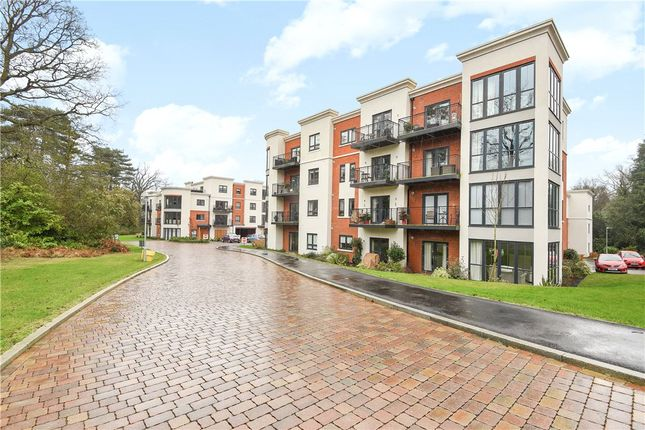 Thumbnail Flat for sale in Kings Quarter, London Road, Binfield