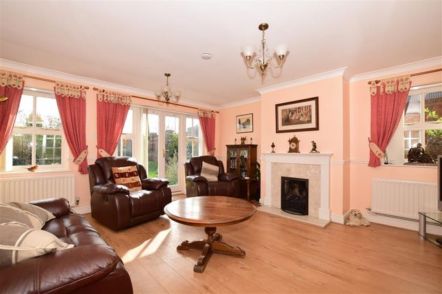 Thumbnail Detached house for sale in Wakehurst Close, Coxheath, Maidstone, Kent