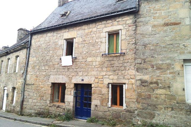 Terraced house for sale in 56160 Guémené-Sur-Scorff, Morbihan, Brittany, France