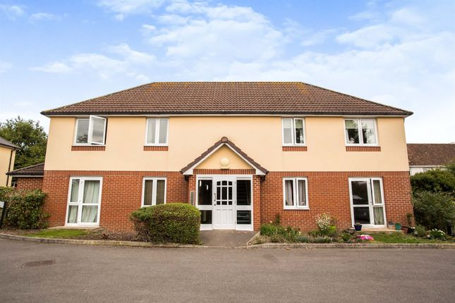 2 bed flat for sale in Oxford Road, Calne SN11
