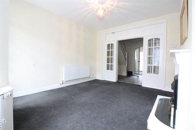 Living Room of Wharncliffe Street, Hull HU5