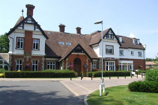Thumbnail Flat for sale in Charters Towers, East Grinstead, West Sussex