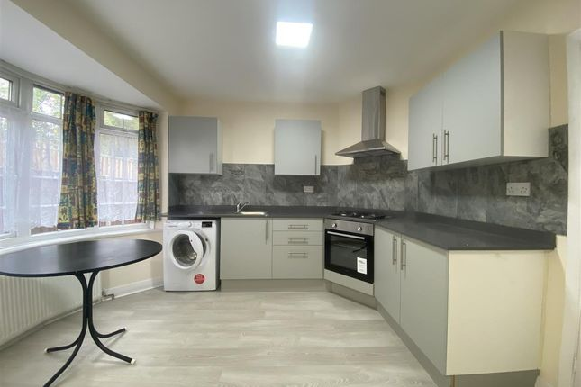 Thumbnail Semi-detached house to rent in Littlecot, Green Verges, Stanmore