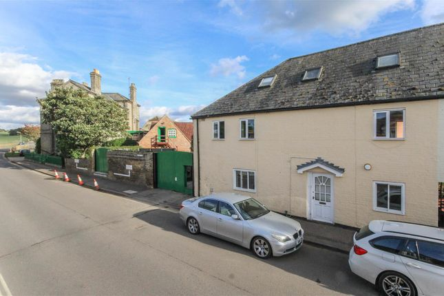 Thumbnail Property to rent in Chesterfield Mews, Moulton Road, Newmarket