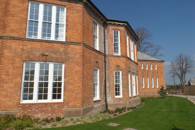 Thumbnail Flat to rent in Longley Road, Graylingwell Park, Chichester