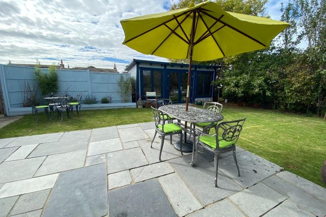 74 Castleview Patio To Cabin (002)