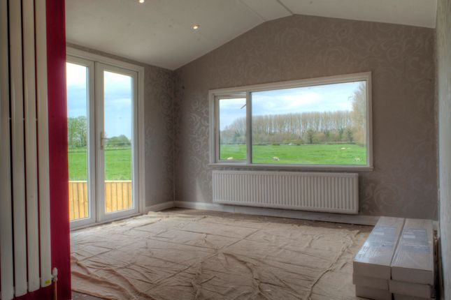 Thumbnail Bungalow for sale in Riverside Park, Upavon, Pewsey
