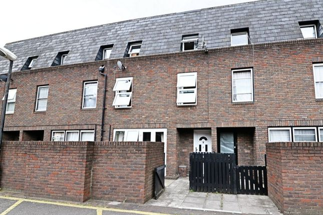 Thumbnail Terraced house to rent in Baldwin Gardens, London