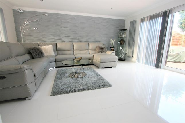 Lounge of Turnberry Drive, Bricket Wood, St. Albans AL2
