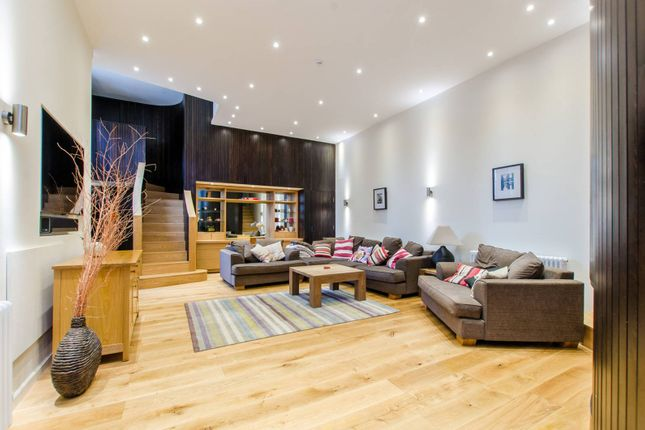 Thumbnail Flat for sale in Tredegar Terrace, Bow
