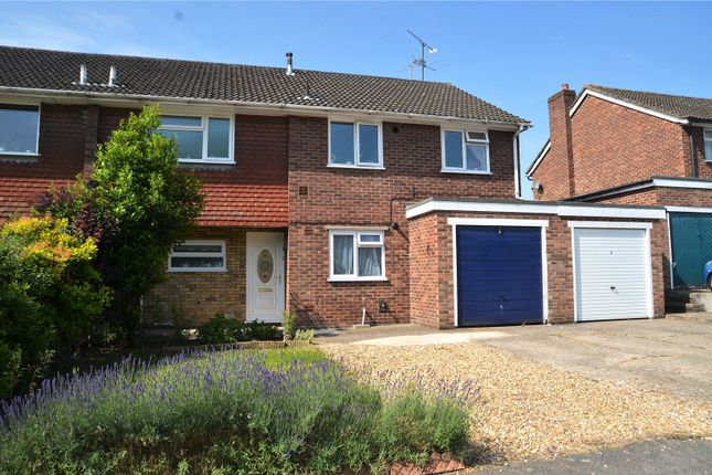 2 bed maisonette to rent in Halpin Close, Calcot, Reading, Berkshire