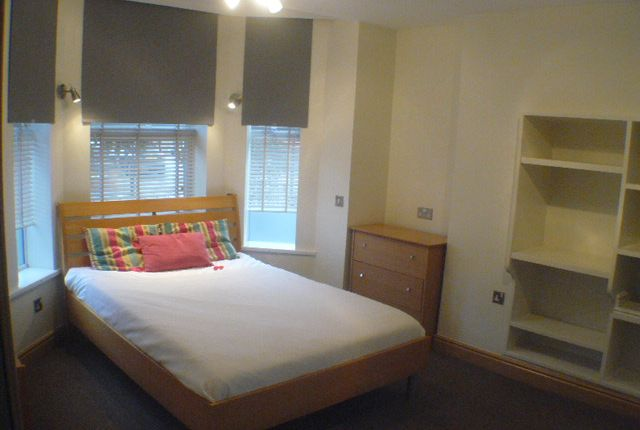 Thumbnail Flat to rent in Warwick Road, Chorlton Cum Hardy, Manchester