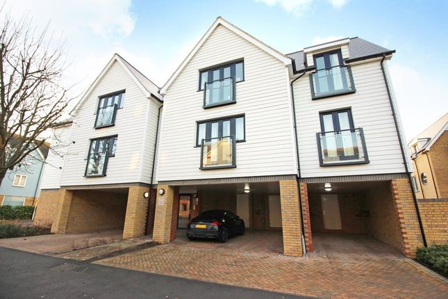 2 bed flat to rent in Westmeads Road, Whitstable