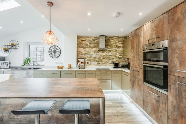 Thumbnail Detached house for sale in Burleigh Close, Crawley Down, Crawley