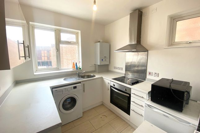 Thumbnail Maisonette to rent in Palmerston Road, Southsea