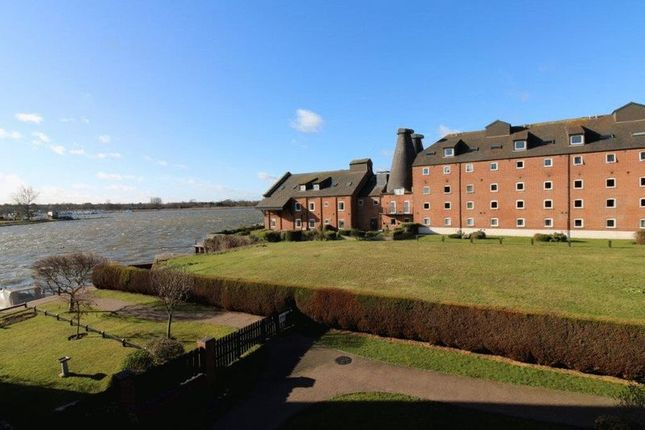 Thumbnail Flat for sale in Everitt Court, Oulton Broad, Broads Views