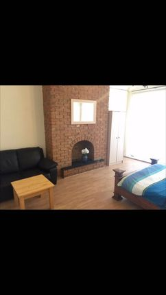 Thumbnail Shared accommodation to rent in Gowland Avenue, Fenham, Newcastle Upon Tyne