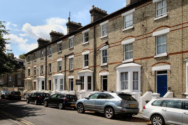 Thumbnail Flat to rent in Warkworth Terrace, Cambridge