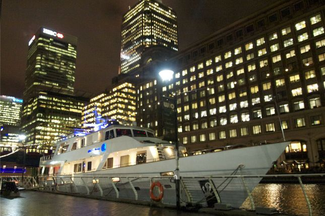 Thumbnail Property to rent in North Dock Footbridge, Canary Wharf, London