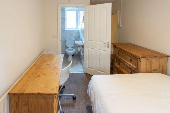 Room 10(6) of Holyhead Road, Bangor, Gwynedd LL57