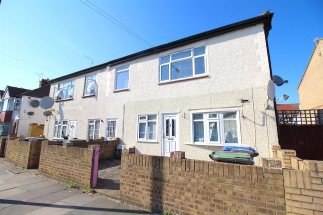 Thumbnail Maisonette for sale in Monmouth Road, Edmonton