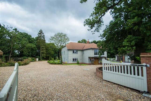 Thumbnail Detached house for sale in Lord Street, Hoddesdon, Herts