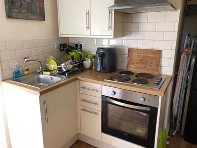 Kitchen (Rear Flat)